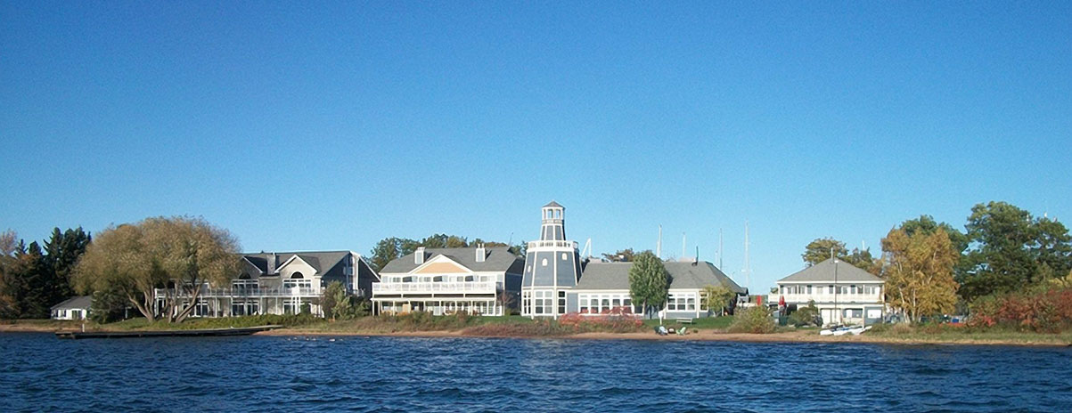 Madeline Island Accommodations - Guest Rooms, Condos ...